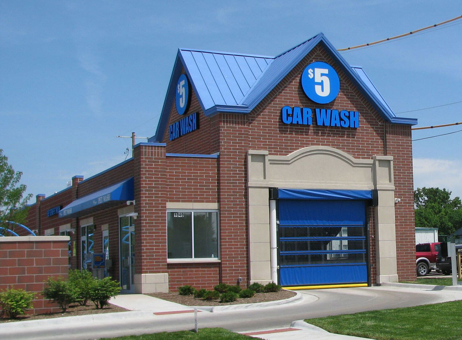 outside-car-wash-our-story-top-center
